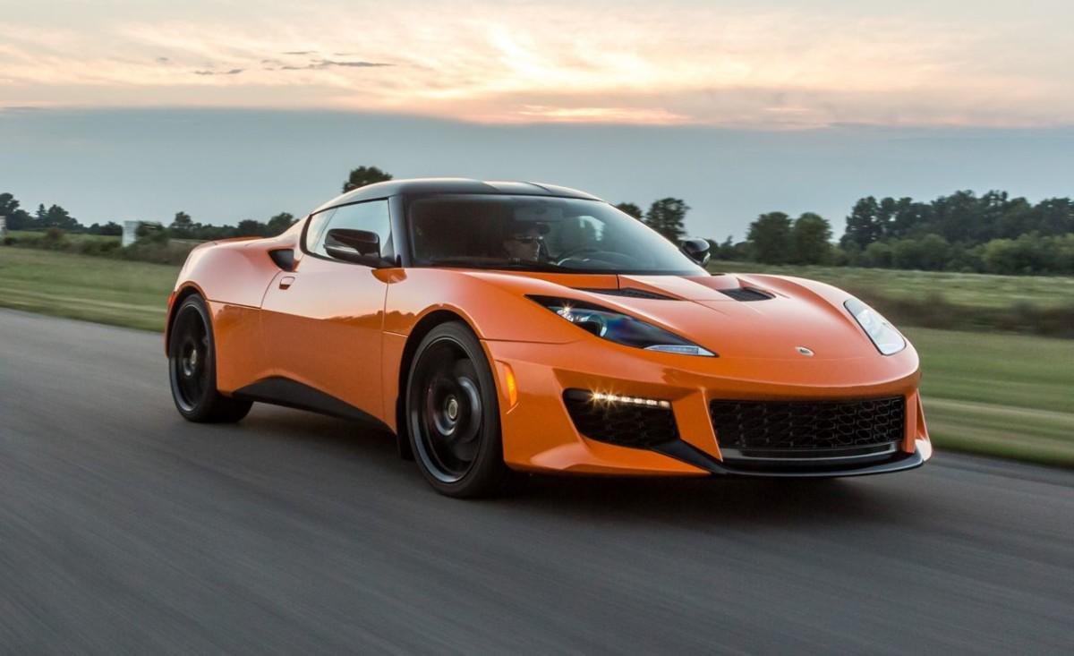 Futuros clásicos: Lotus Evora 400