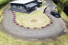 Un japonés construye un circuito de drift alrededor de su casa