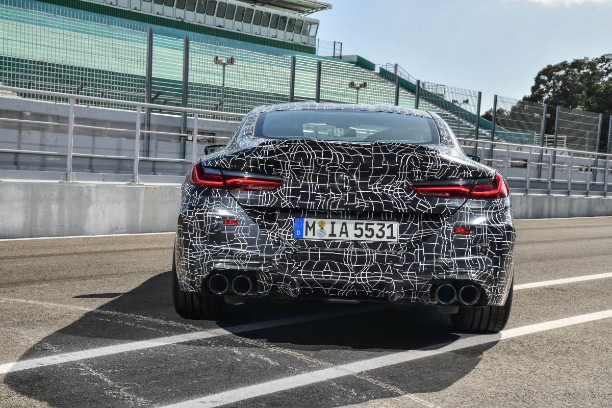BMW M8 Coupe tasera