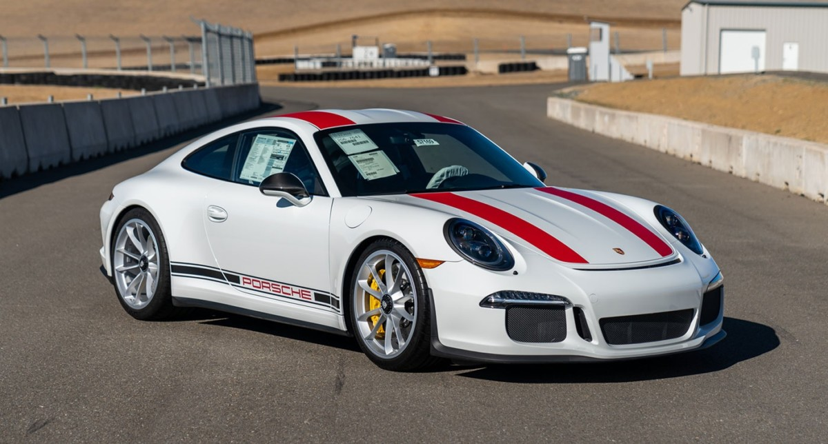 2016 Porsche 911 R Jan Koum