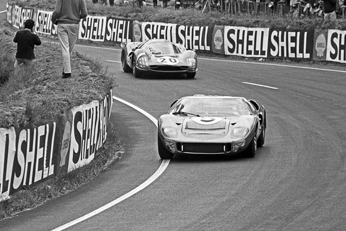 Ford vs Ferrari en Le Mans