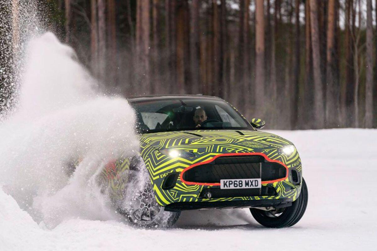2020 Aston Martin DBX (2)