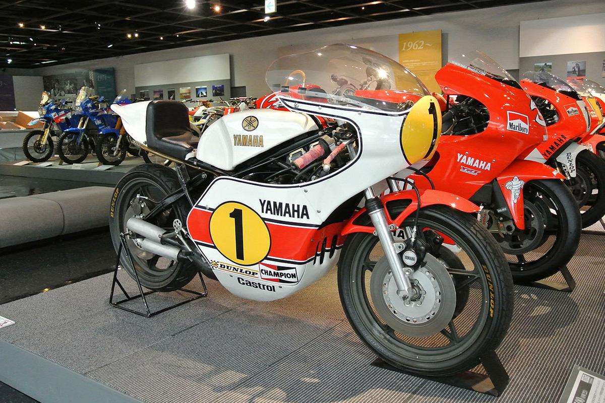 Yamaha YZR500 con un motor de dos tiempos
