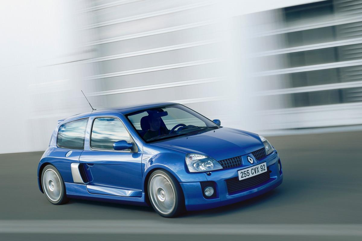 Renault-Clio-Sport-V6